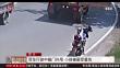 四川 货车行驶中箱门外甩 小孩被砸受重伤