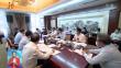 黑龙江代表团举行小组会议