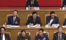 省十三届人大三次会议双鸭山代表团参加第三次全体会议