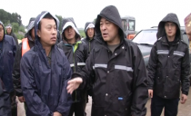雙鴨山市長鄭大光到防汛一線檢查指導 對防汛防災工作進行再部署 再推進 再落實
