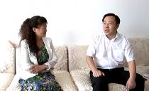 雙鴨山市委書記宋宏偉等領導到優秀老師和優秀教育工作者代表家中走訪慰問