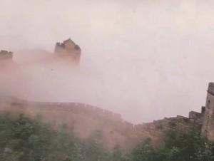别和我晒五一游,这雾中长城,你去多少趟都不一定赶上!