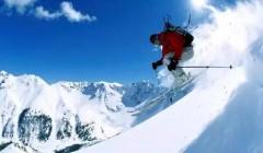 从东北到新疆,冰雪经济发展势头强劲,赛事活动显著增多