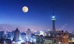 152年一遇,好大的红月亮!哈尔滨人的朋友圈都在刷,你看到了吗?