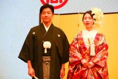 视界 | 日本婚礼和服怎么穿?进博会上,日本婚礼化妆师带现场观众体验