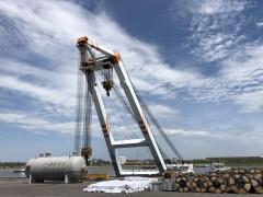 最新!黑龙江水系最大浮吊进驻黑河港