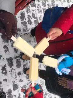 哈哈哈!下雪啦,吃冰棍了!南方游客竟因此发出魔性笑声……(视频)