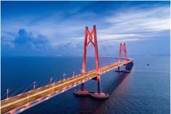 助力港珠澳大橋之一:是誰點亮深海巨龍?