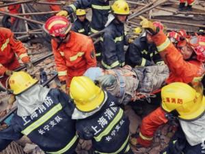 上海厂房坍塌至10人死亡 15人受伤