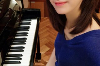 赵薇/阔太李念练习声乐被称是童声大眼嘟嘴短发超清纯