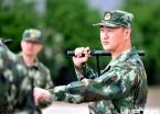 黑龙江武警官兵加钢淬火锤炼本领 负重前行保祖国平安