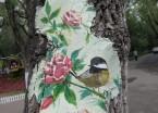 哈尔滨:85后在公园树洞里画花鸟 这次都是美美的中国风
