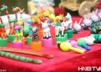 哈尔滨百年老街上老艺人制作传统工艺品 让你大开眼界