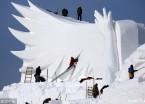 太阳岛雪博会主塑《雪颂冬奥》加紧雕琢 其长度近300米(组图)
