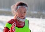 伊春-20℃雪地徒步穿越赛太炫酷 选手哈气成霜须发皆白!(组图)