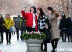 哈尔滨气温回升 阳春三月市民游人花样春装迎春色(组图)