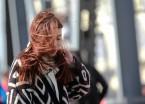 哈尔滨刮起大风撩起姑娘的长发(组图)