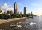 哈尔滨:摩托艇爱好者水上炫技引围观(组图)
