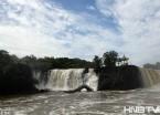 镜泊湖现环形瀑布 壮观美景观引来各地游人 (组图)