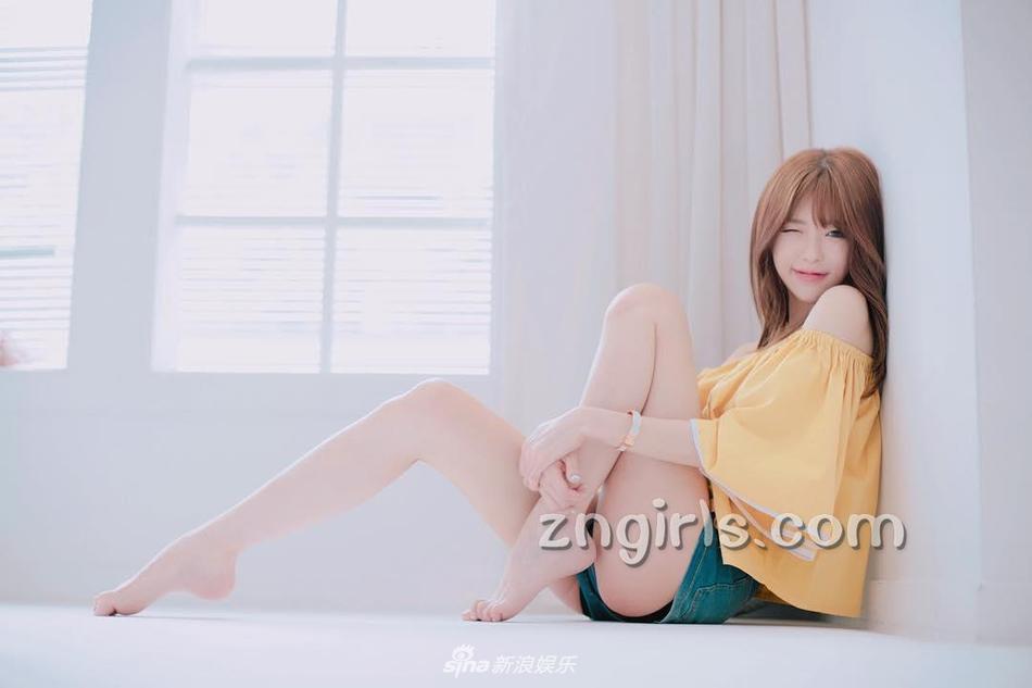 韩国美女主播肤白貌美笑容阳光
