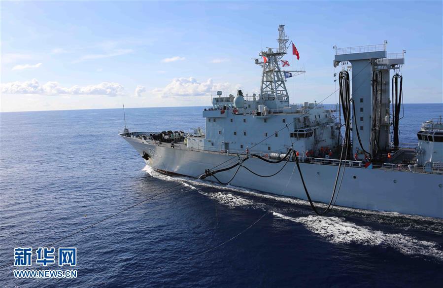 中国海军远航访问编队在印度洋展开实弹演练