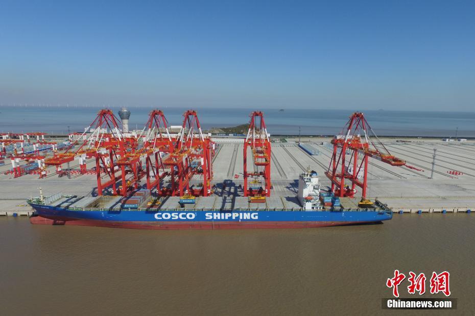 世界最大无人自动化码头即将开港