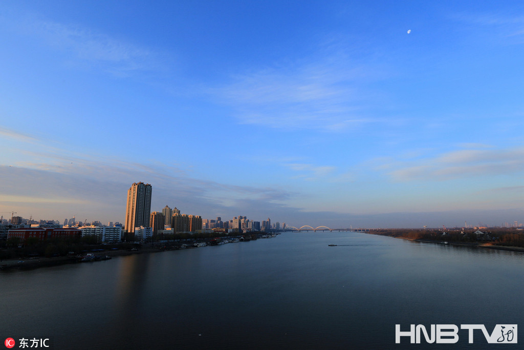 哈尔滨天气晴好 空气质量优良(组图)