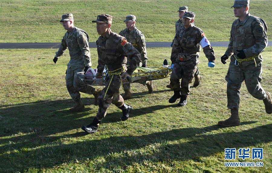 中美两军举行人道主义救援减灾联合实兵演练