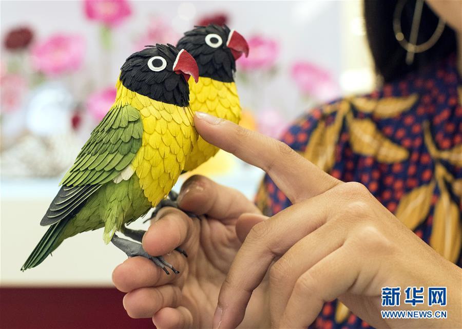 """""""鸟语花香:纸雕艺术展""""将在香港举行"""