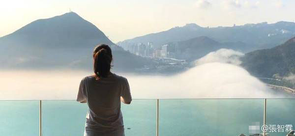 张智霖豪宅曝光 窗外云雾缭绕如同在云顶