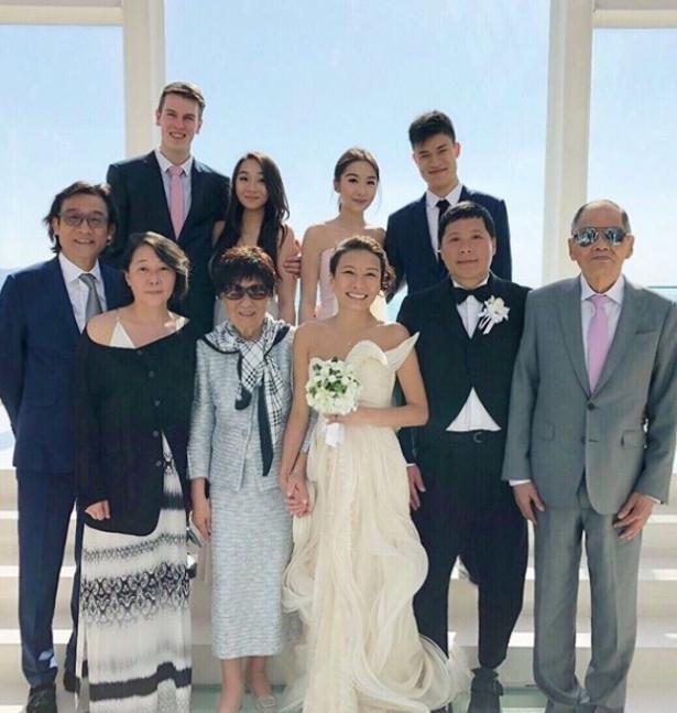 梁家辉妹妹日本大婚 全家出动两女儿携男友现身