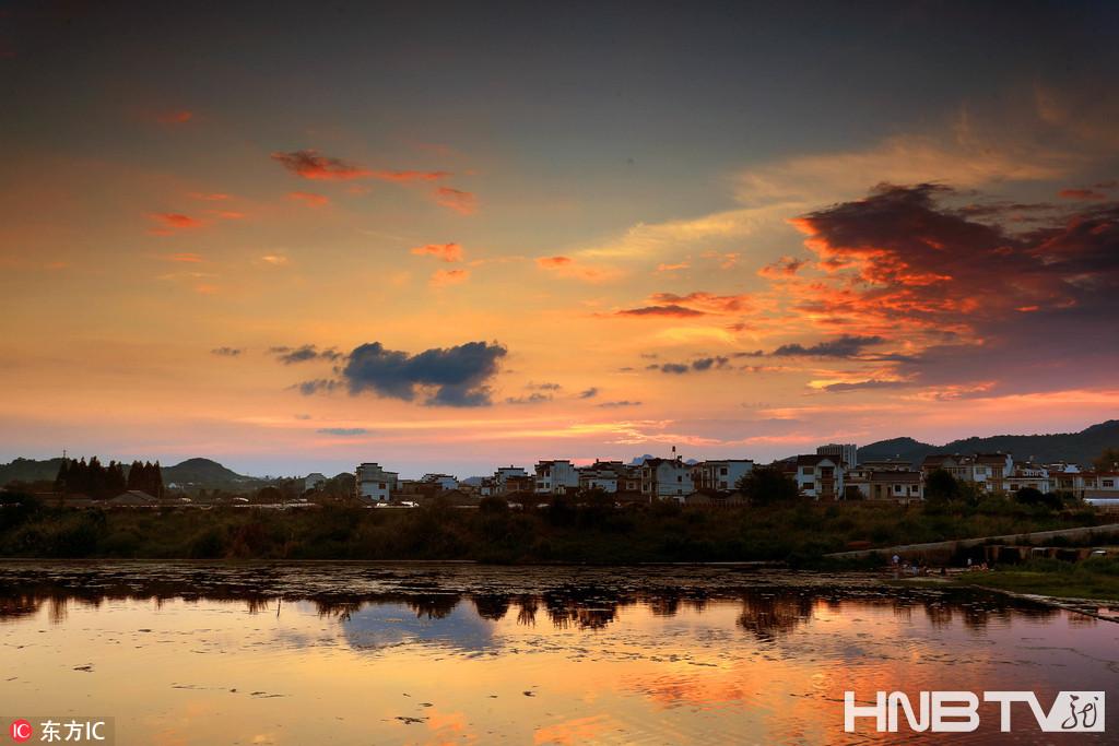 安徽黄山:日落晚霞别样美