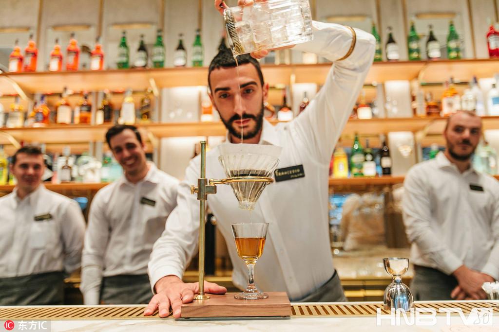 匠心咖啡遇上意式歌剧风 走进意大利首家星巴克