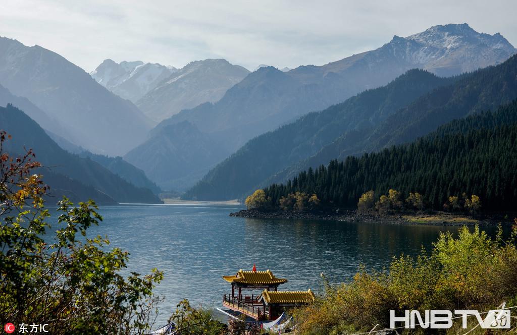 新疆:天山天池风光如画 秋季赏景正当时