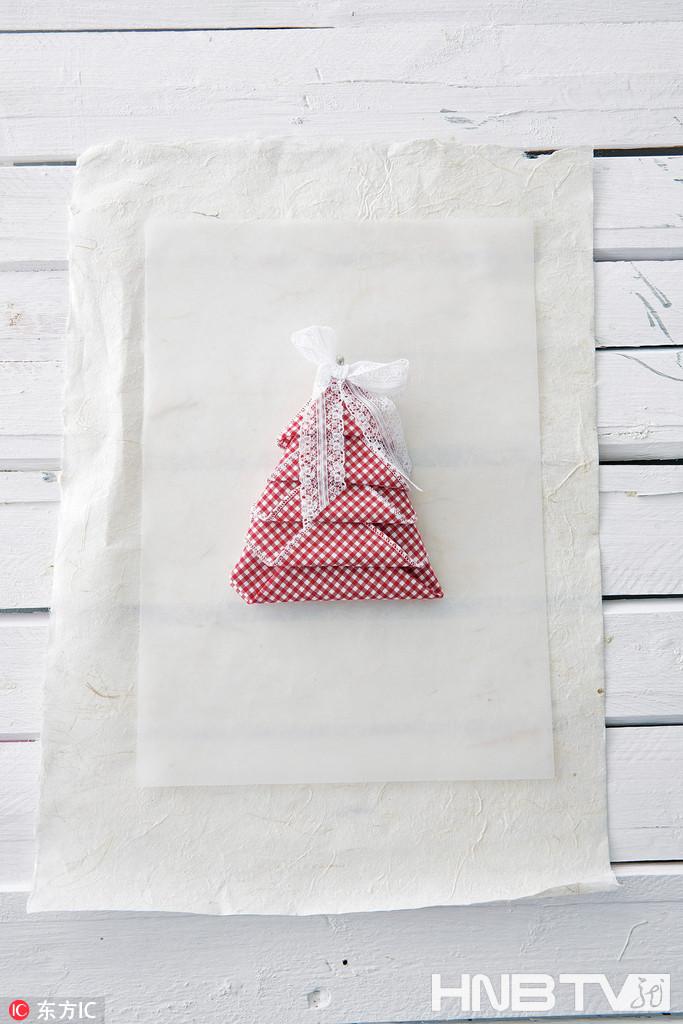 """餐巾""""树"""" (组图)"""