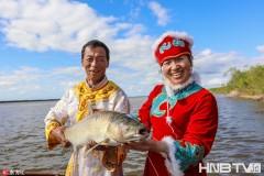 """黑龙江勤得利迎""""休渔期"""" 渔民开起江畔鱼馆"""