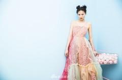 神龙茂粉色裙装清纯可爱 宛如邻家妹妹甜美上线