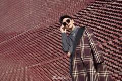 张晓龙街拍新风尚 造型简约极具英伦范