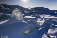 鸡西兴凯湖穿越两季 一面千里冰封一面春风送暖(组图)