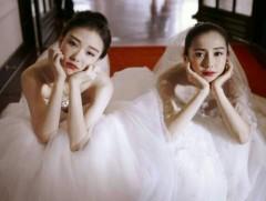 Baby倪妮好闺蜜综艺节目相聚 两人俏皮比V少女感十足