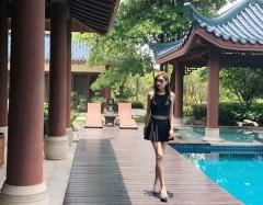 44岁杨恭如泳装戏水身材曼妙 阳光下漫步小鸟腿吸睛