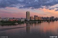 哈尔滨霞光漫天景色美(组图)