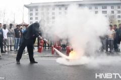 哈尔滨:外国留学生参加消防演习
