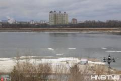 黑龙江黑河段大面积融化开始进入春季流冰期