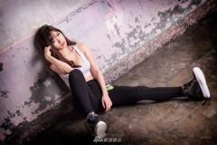 韩嫩模居家写真曝光 露白皙美腿姿态妩媚