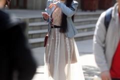 哈尔滨天气转热 冰城美女穿短裙秀起大长腿