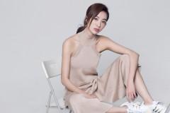 童苡萱生日曝时尚写真 笑容甜美少女感爆棚