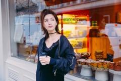 江疏影街拍写真大片曝光 扎洋葱辫俏皮减龄