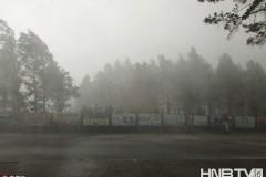 """黑龙江漠河迎来任性天气 暴雨加冰雹宛如""""瀑布"""""""
