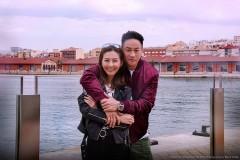 何润东和妻子甜蜜牵手庆婚礼一周年
